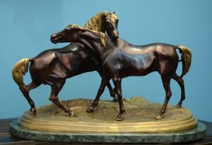 Horses Bronze France, late 19th century Length: 47 cm (no pedestal)
