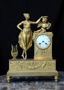 Clock Bronze, mercury gilding Empire, 1800, France Height: 43 cm