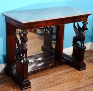 Console Empire, mahogany veneer France, 1815 Dimensions 115 x 91 cm