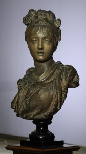 Terracotta bust A.Carrier Belleuse, signed France Height: 87 cmBelleuse, potpisan Francuska Visina 87 cm