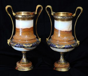 Vases, pair-cup vases Restoration epoch Height: 31.5 cm
