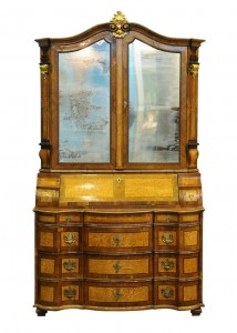 Tabernacle Baroque, 1730-1740 South Germany Walnut veneer, Birdseye maple, mahogany