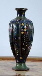 Vase Cloisonne, China Second half of the 19th century Height: 25cm